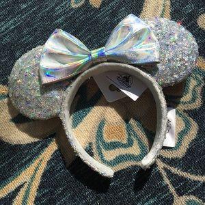 NWT Disney Parks magic mirror silver ears